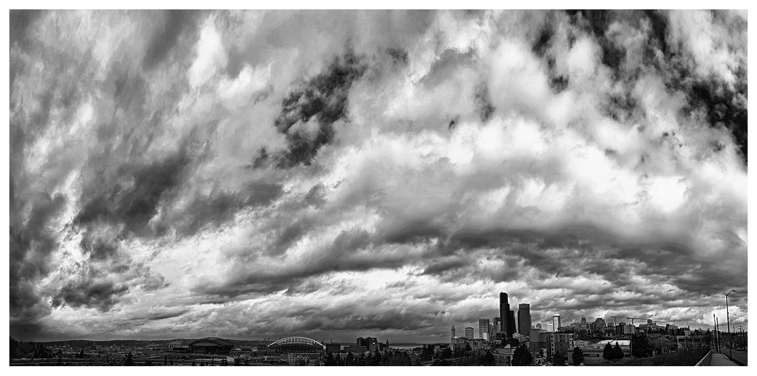 SeattleSkyline_Cloudy_Pano3_BW